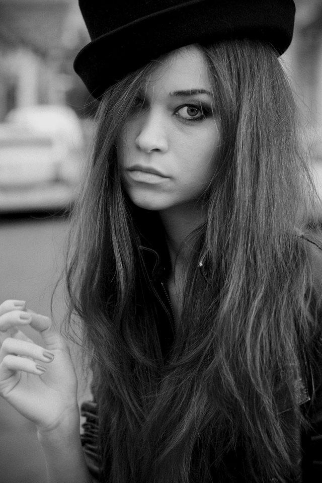 Laura Firefly poza profil