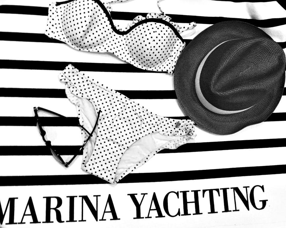 Costume de baie in doua piese si accesorii de plaja Marina Yachting