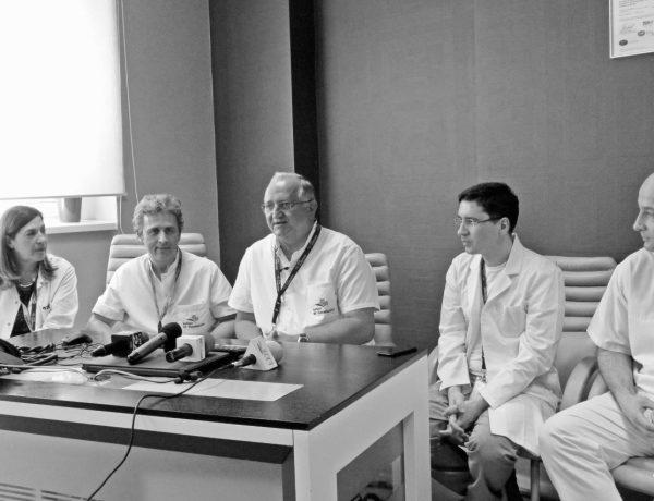 conferinta de presa chirurgie robotica (1280x853)